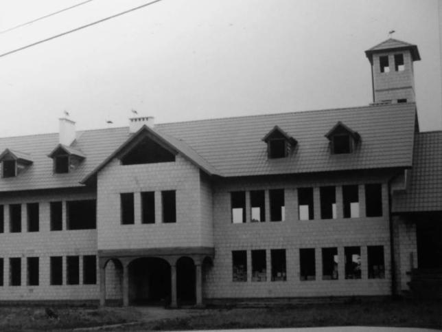 1999 r. Budowa remizy.