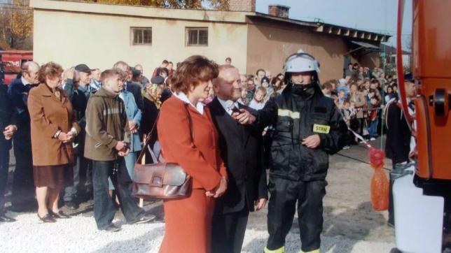 Chrzestni samochodu: Danuta Kosior i Józef Czekalski.