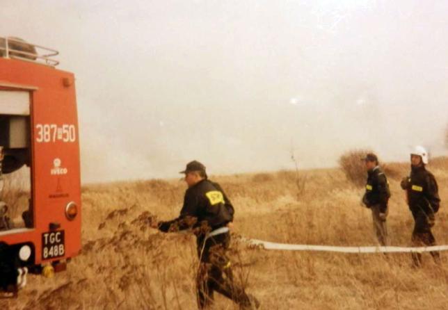 Akcja gaszenia pożaru na terenie gminy Grębów. 08.04.2005 r.
